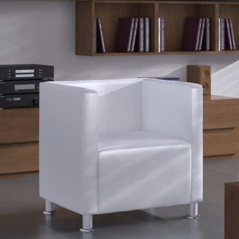 Fehér műbőr fotel