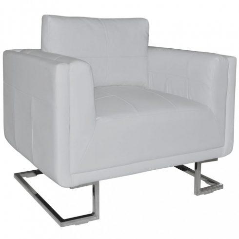 Fehér műbőr fotel króm lábakkal