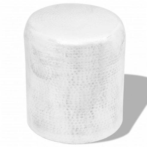 Ezüstszínű, kalapált alumínium ülőke/kisasztal