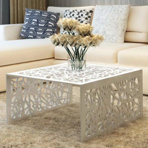 Ezüstszínű alumínium dohányzóasztal geometrikus dizájnnal